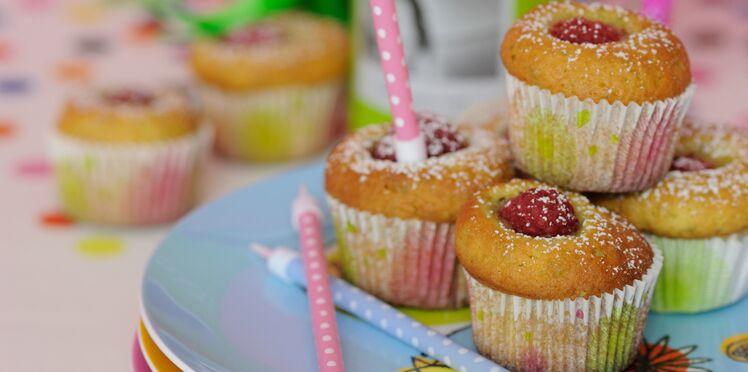 Muffins à la framboise et aux pistaches