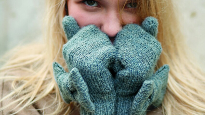 A tricoter : des moufles à nœud papillon