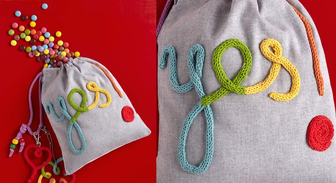 Un sac à goûter customisé au tricotin