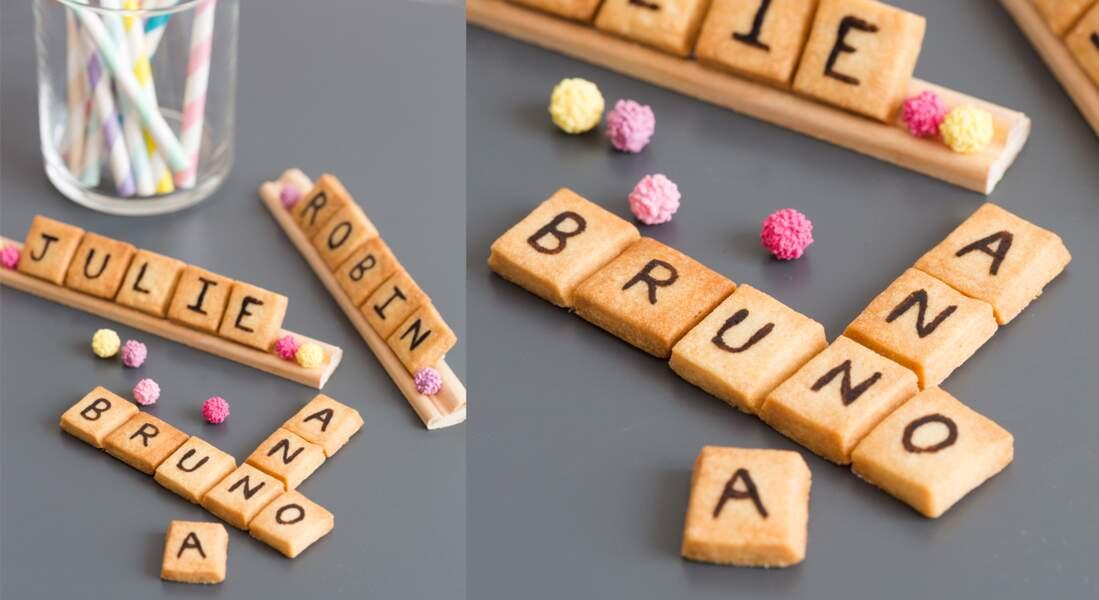 Des biscuits scrabble pour marque-place