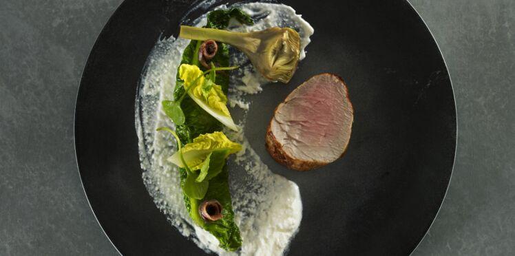 Filet mignon de veau, romaine, faisselle, anchois et artichauts