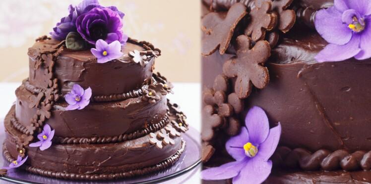 Gâteau à trois étages au chocolat
