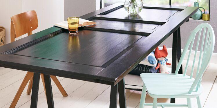 Upcycling : une table avec une porte