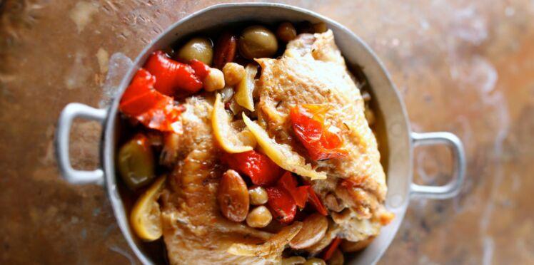 Fricassée de poulet aux amandes et tomates confites