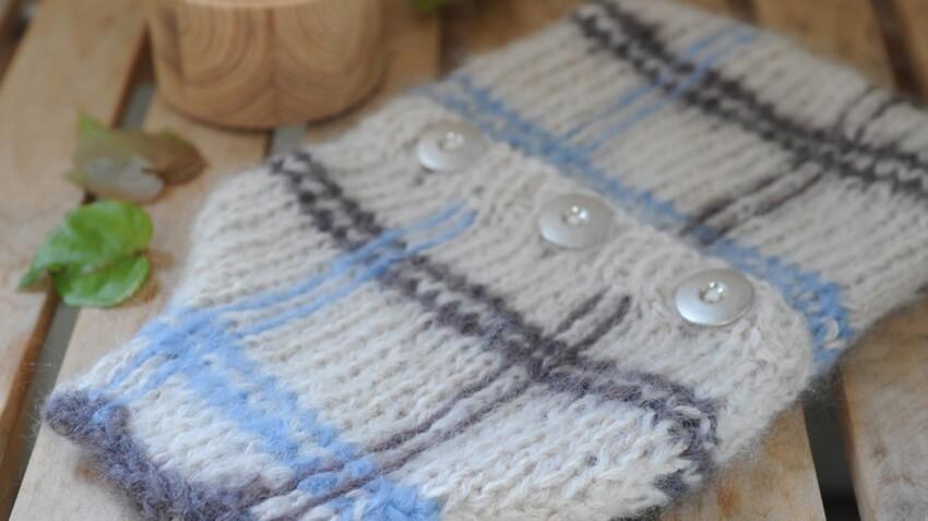 Un cache-bouillotte à tricoter