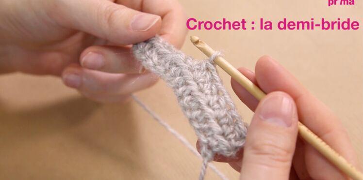 Crochet : la demi-bride en vidéo