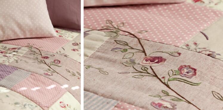 Un couvre-lit en patchwork