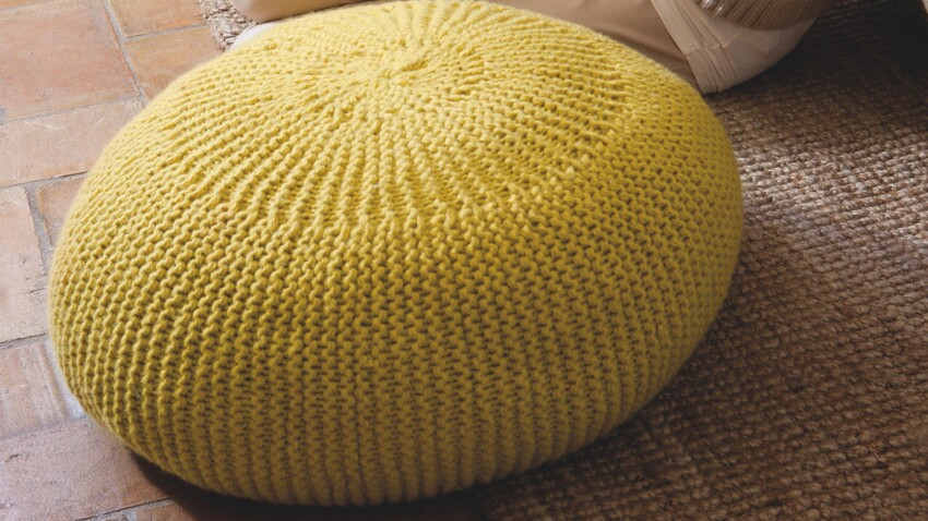 Un pouf à tricoter