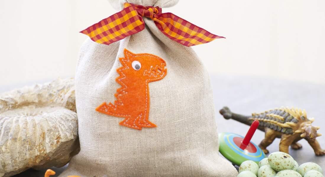 Un sac à goûter dinosaure