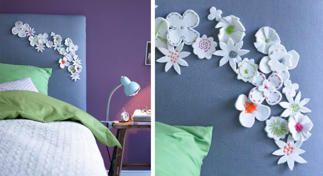 Une tête de lit fleurie