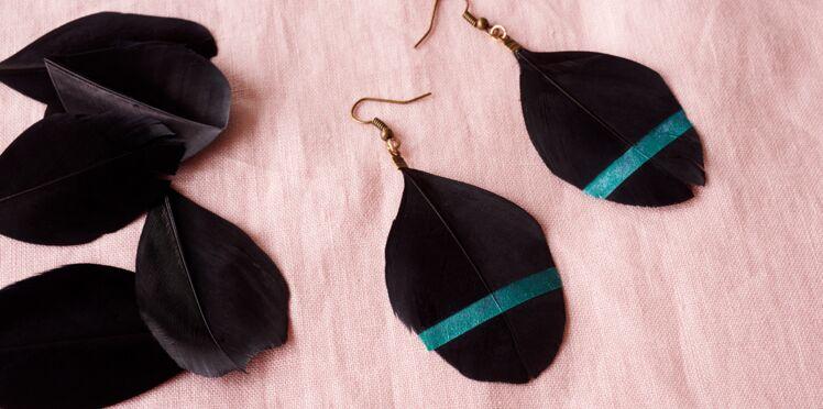 Bijou fait-main : des boucles d'oreilles à plumes