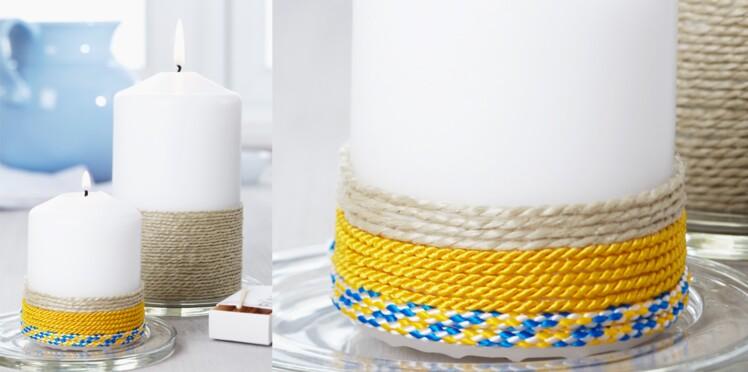 Une bougie décorée avec de la corde