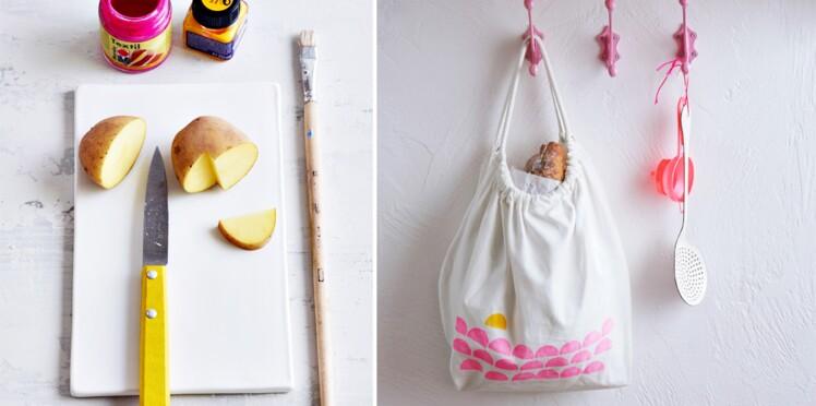 Des tampons pommes de terre pour customiser mon tote bag