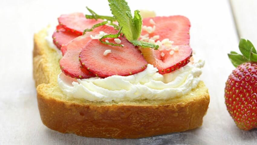 Tartine à la fraise et menthe