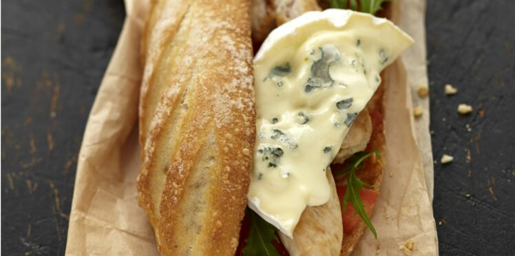Sandwich au poulet grillé et au bleu