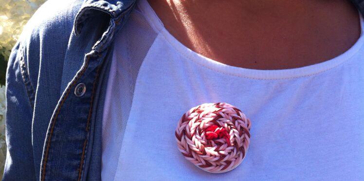 Bracelet élastique : le tuto pour customiser un badge