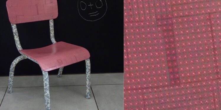 Une chaise d'école customisée