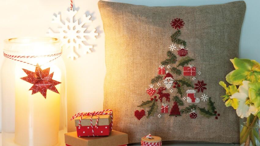 Noël : une grille de broderie gratuite au point de croix