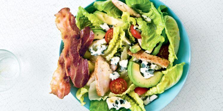Salade gourmande au roquefort et bacon grillé