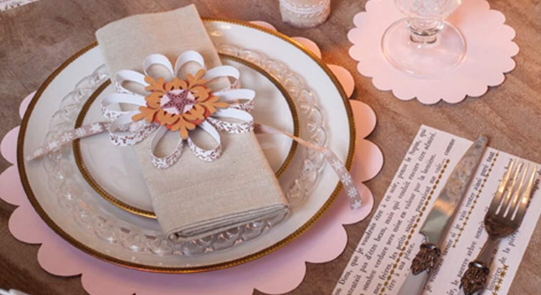 La fleur en papier pour table de Noël