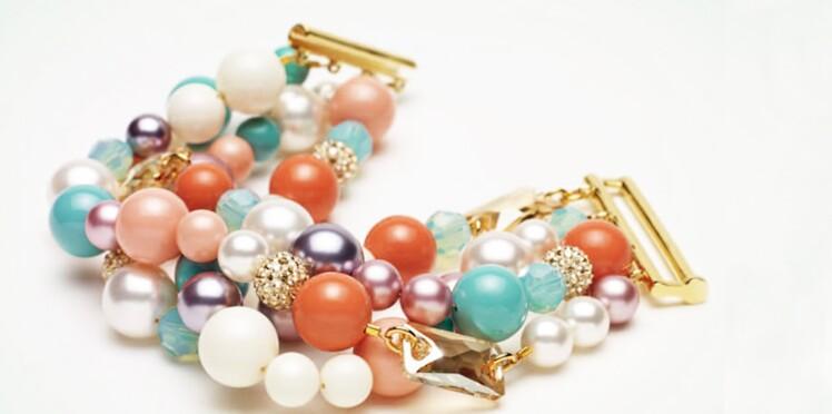 Un bracelet manchette à perles