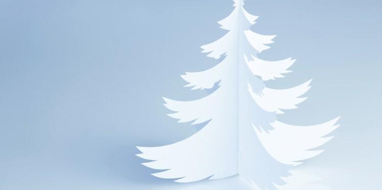 Des sapins de Noël en papier