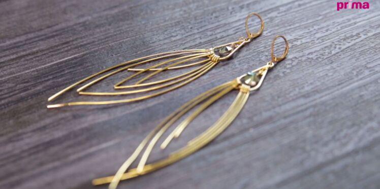 Boucles d'oreilles pendantes avec une goutte Swarovski