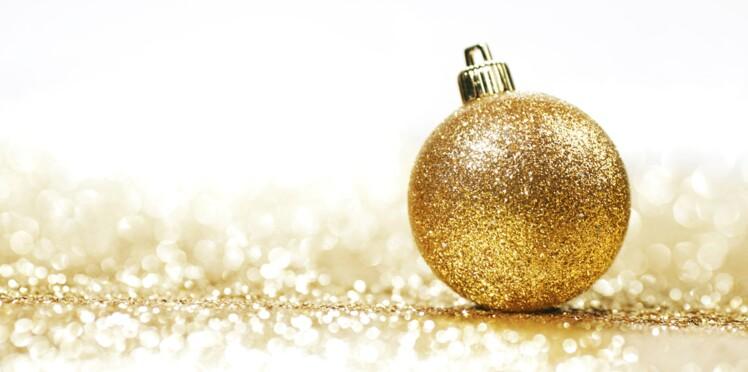 Une décoration de Noël en or et argent
