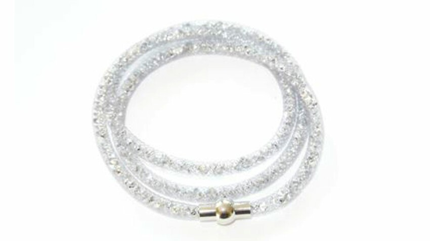 Un bracelet résille habillé de cristaux