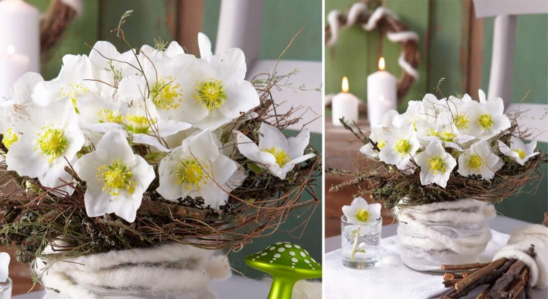 Art floral : mini-bouquet de roses de Noël et poinsettias