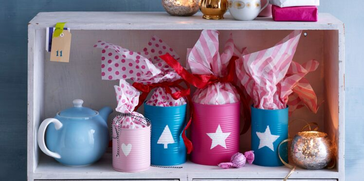 Noël : des paquets cadeaux dans des boîtes de conserve
