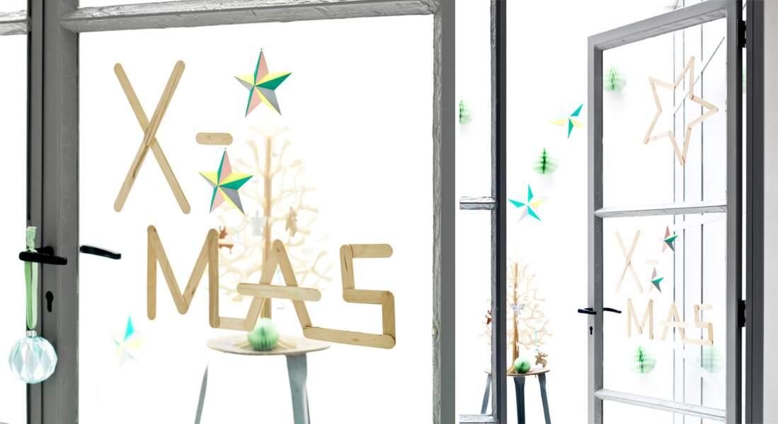 Je décore ma fenêtre avec... des inscriptions décoratives