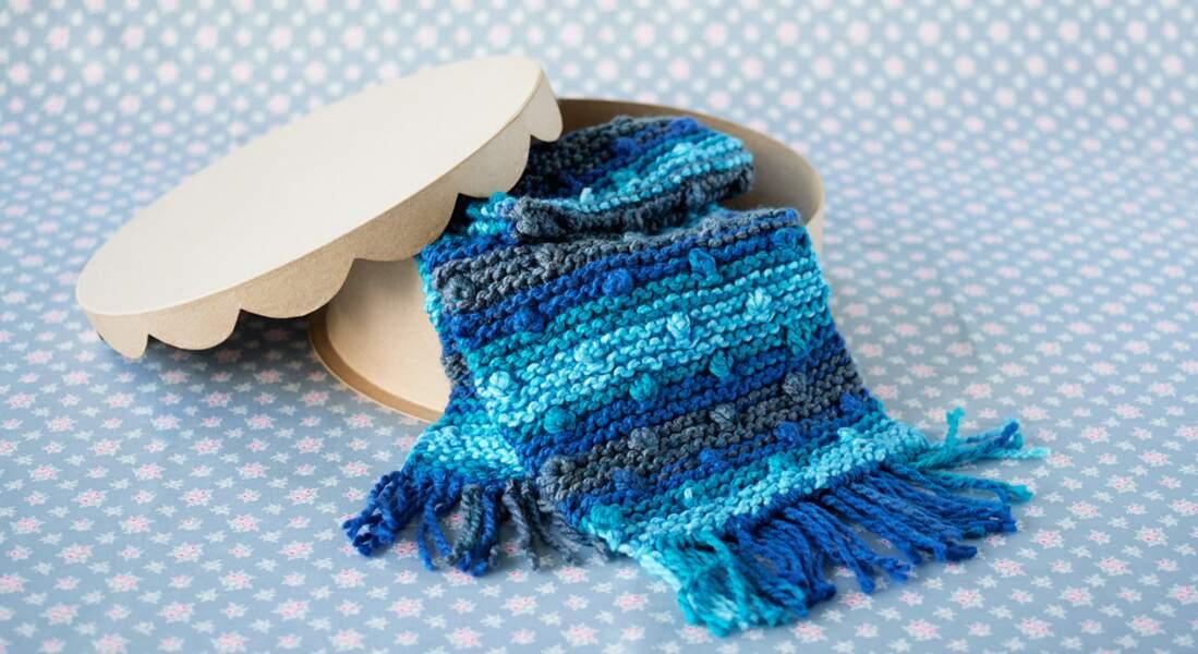 Une écharpe à nopes