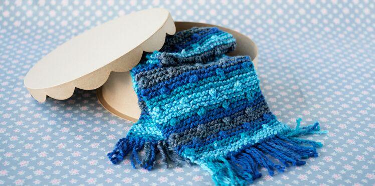 Tricot : une écharpe à nopes