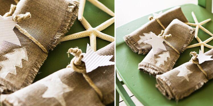 Activité de Noël : décorer des serviettes avec un tampon