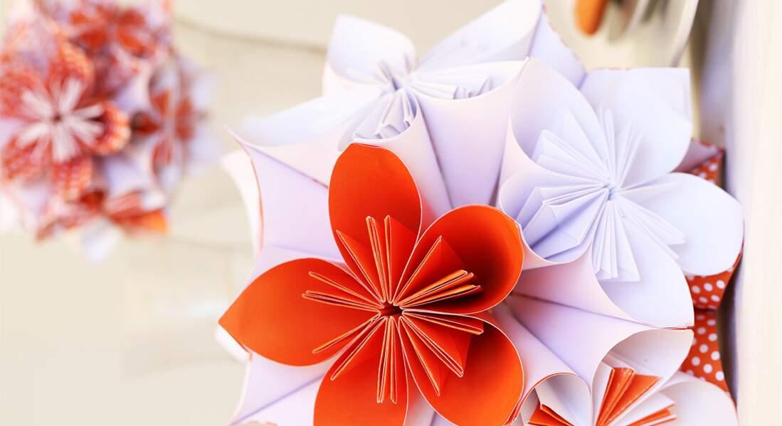 Les fleurs en origami pour décorer sa table de Noël