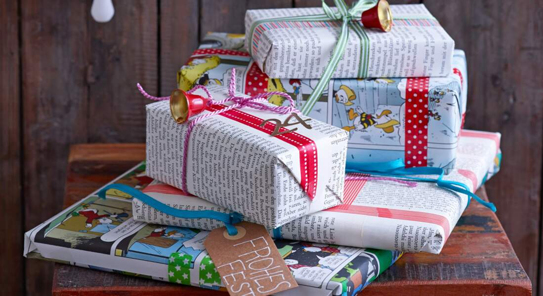 Pas cher et express : du papier cadeau de Noël magazine