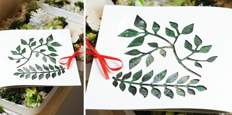 La carte de Noël aux motifs feuilles ajourées