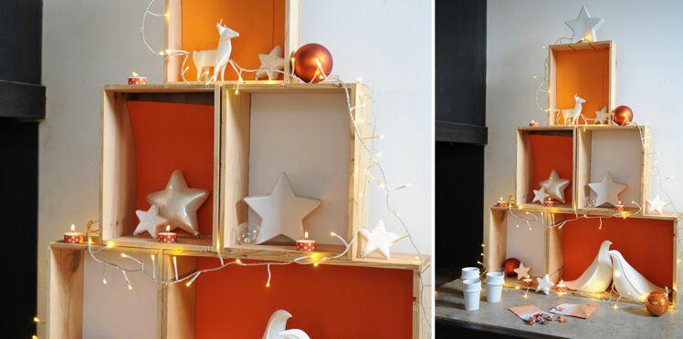 Une sapin de Noël avec des caisses à vin