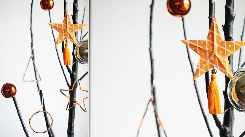 Les breloques de Noël en perles et tissu à suspendre