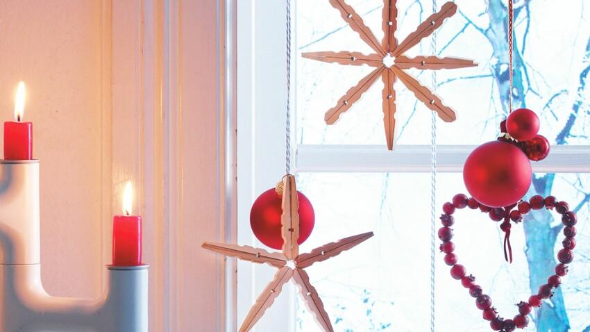 Décorations de Noël : des flocons en bois