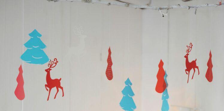 Activité avec les enfants : un mobile de Noël en papier