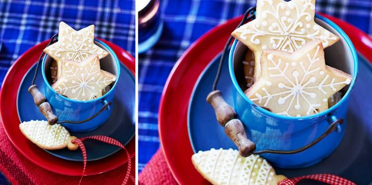 """Sablés façon """"boules de Noël"""" à accrocher sur le sapin"""