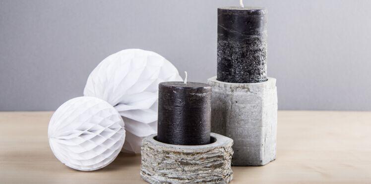 Du béton dans la maison : des bougeoirs texturés