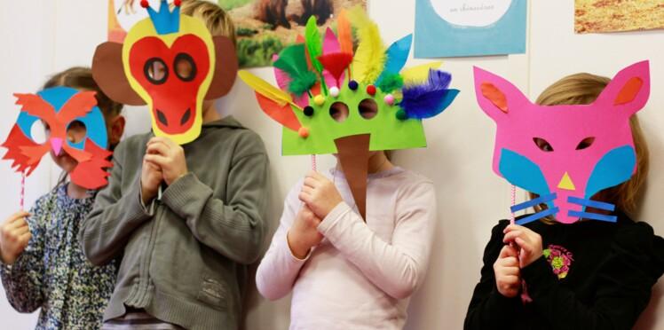 Comment réaliser un masque en papier pour Mardi Gras