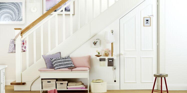 rangement sous l escalier 10 id es fut es pour gagner de la place femme actuelle le mag. Black Bedroom Furniture Sets. Home Design Ideas