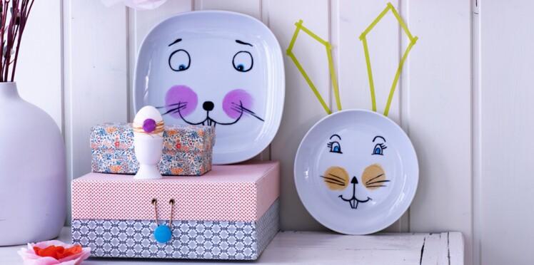 Peinture sur porcelaine : des lapins sur des assiettes