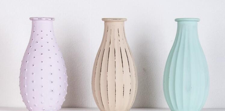 Des vases décorés à la peinture effet craquelé