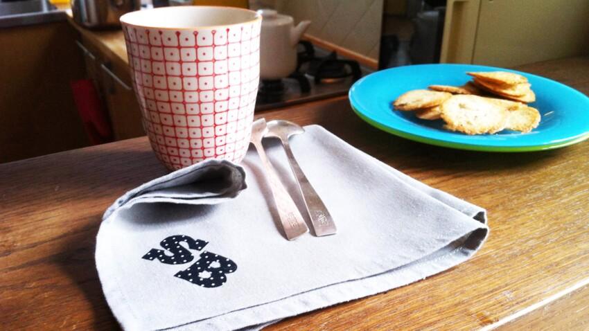 Le monogramme revisité sur une serviette
