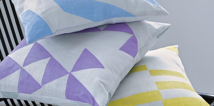 Des coussins personnalisés avec de la peinture textile